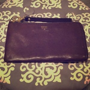 Fossil women's clutch wallet in taupe